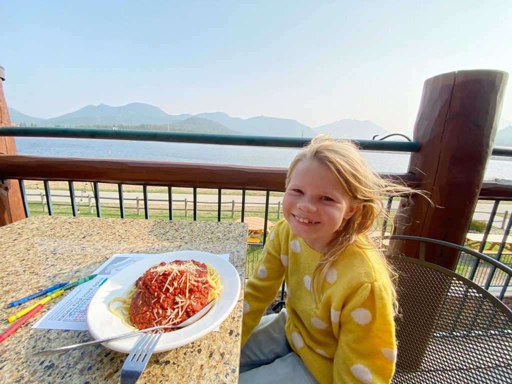 where to eat in Estes Park with kids
