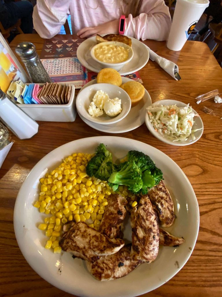 where to eat in mammoth cave ky with kids