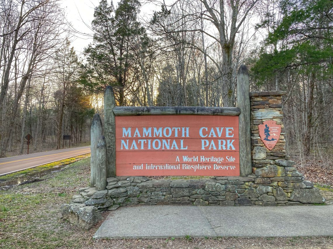 mammoth cave with kids