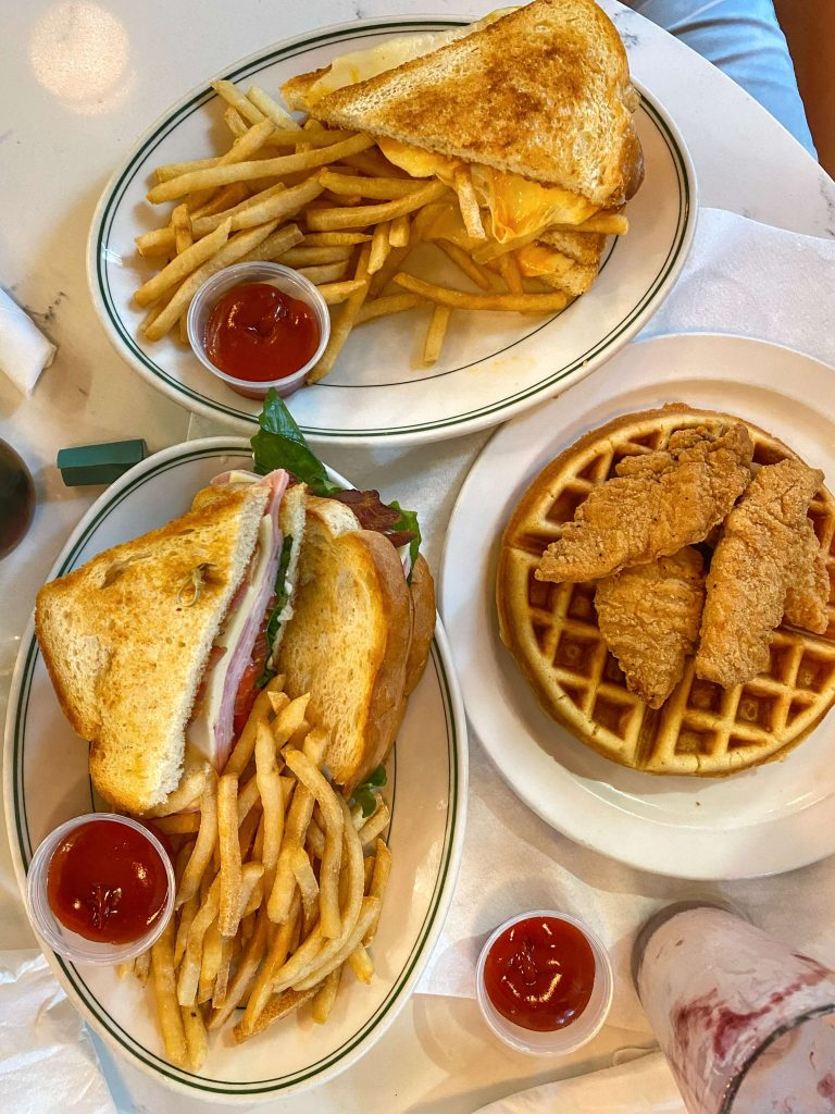 where to eat in savannah with kids
